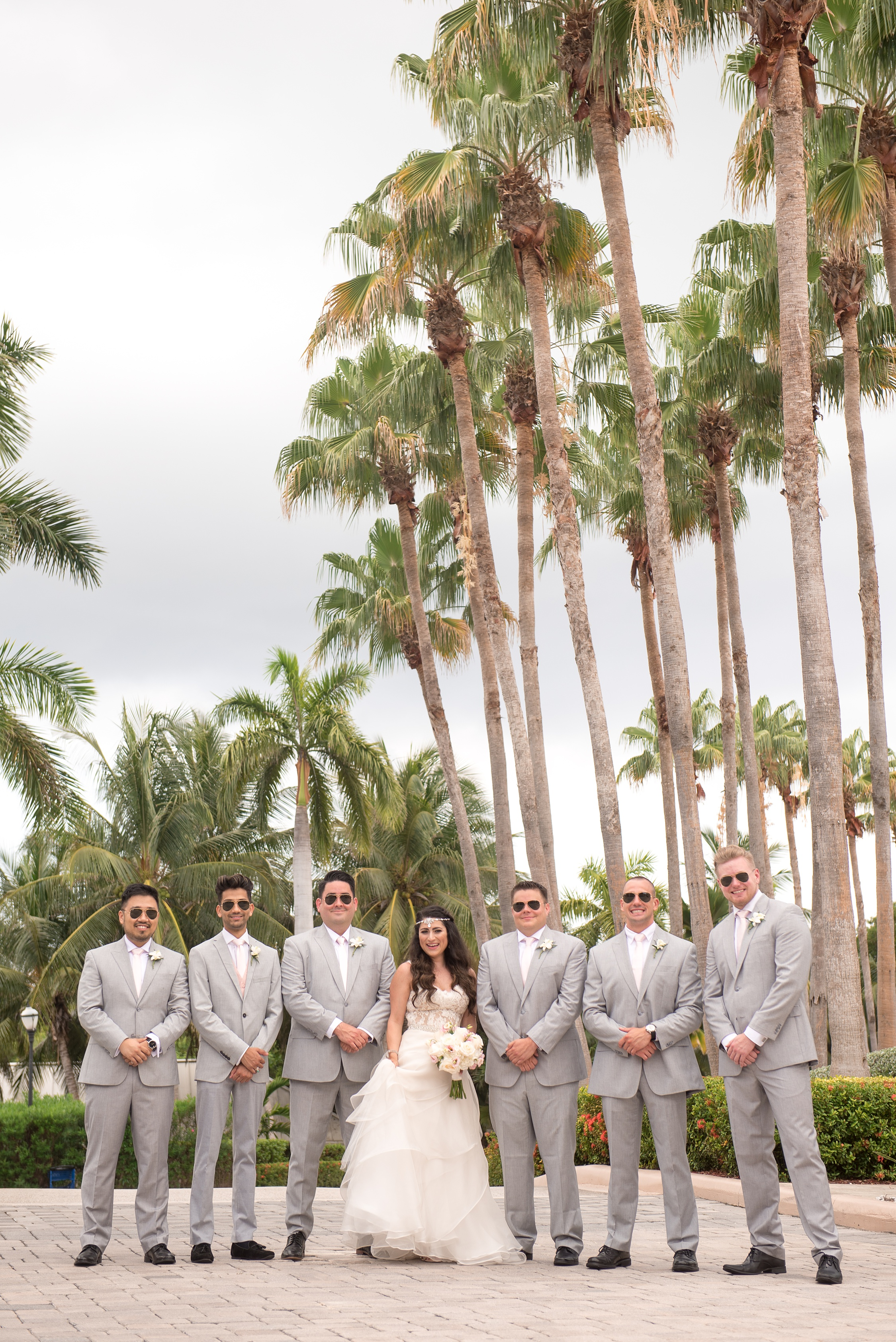 cayman-bride-with-groomsmen